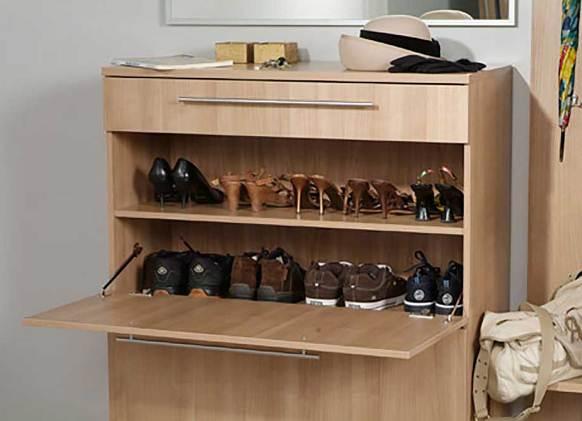 Закрывающаяся тумба сбережёт дорогие туфли или кроссовки в целости и сохранности
