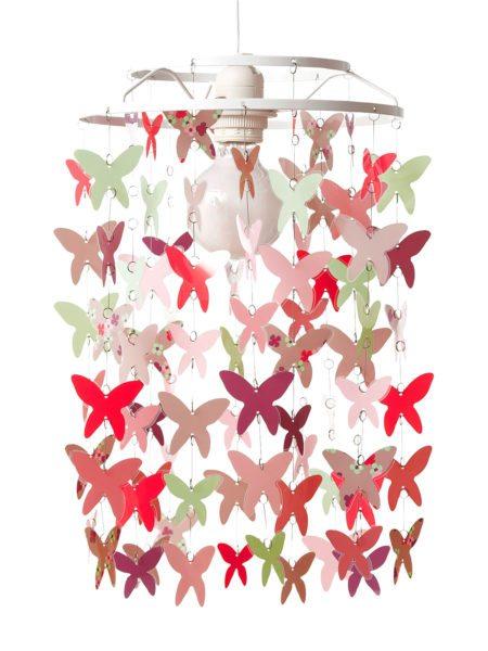 Абажур из бабочек. Они изготовлены из цветного картона и скреплены леской.