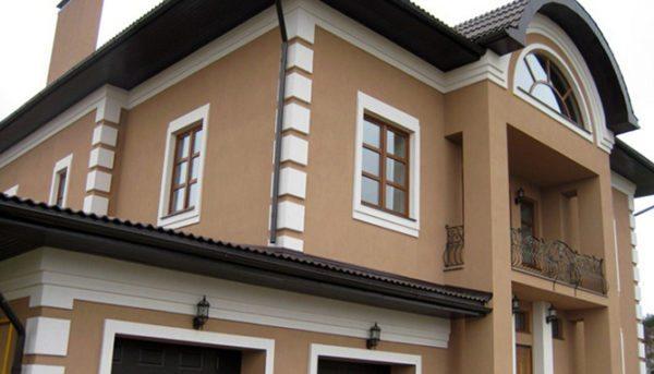 Акриловая краска может использоваться для покраски фасадов