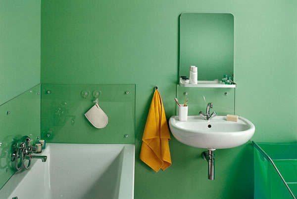 Акриловую краску можно использовать даже в ванной комнате