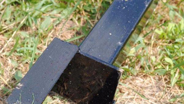 Антикоррозионная защита стального столба.