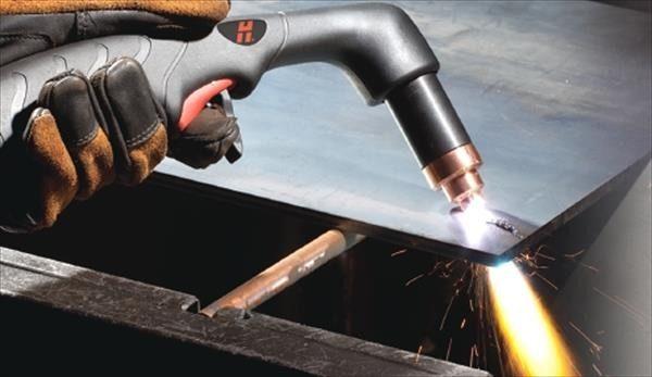 Аппарат позволяет быстро и без особых усилий разрезать металлические заготовки большой толщины