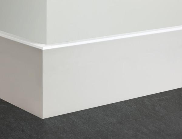 Белый высокий напольный МДФ плинтус - стык наружного угла