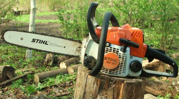 Бензиновая пила Штиль — эффективный помощник на даче и в строительстве.