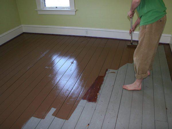 Чем лучше вентилируется комната, тем быстрее высохнет краска.