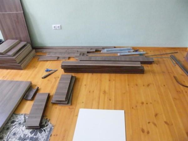 Чтобы превратить этот набор деталей в предмет мебели, придется постараться