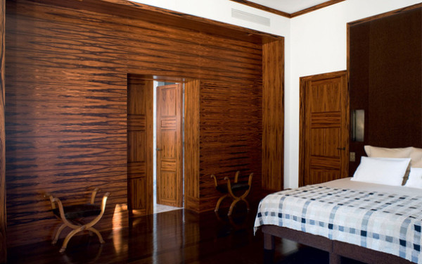 Деревянные двери в спальне – надёжная и защита вашего отдыха