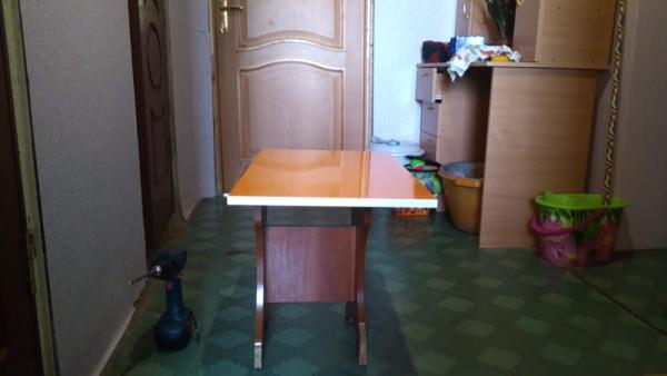 Деталь кухонного гарнитура, самостоятельно оклеенная ПВХ пленкой