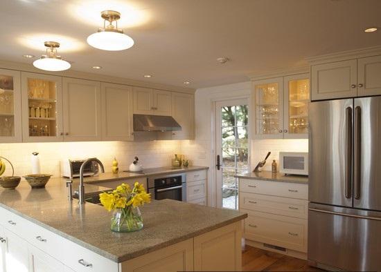 кухня с эркером в частном доме дизайн фото