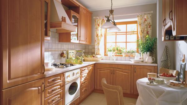 Дизайн небольшой угловой кухни в классическом стиле.