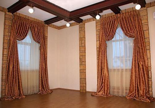 Дизайн штор с высокими подхватами