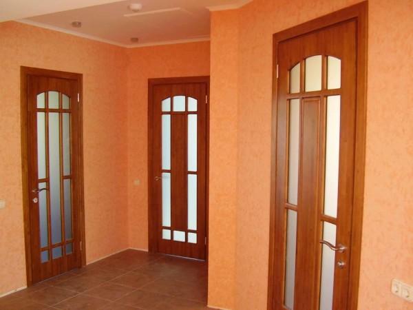 Двери под цвет дерева
