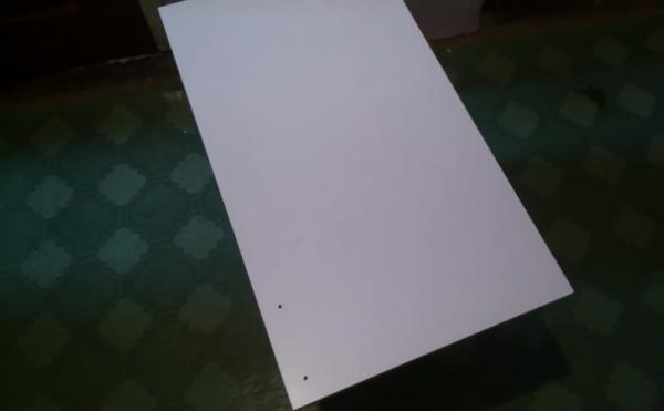 Дверца шкафа, цвет которой нужно изменить