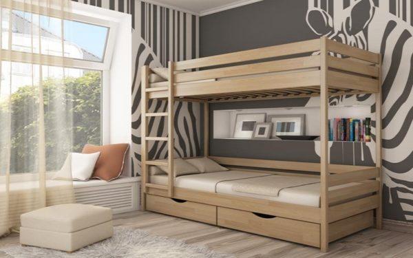 Двухъярусная кровать из дерева фабричного производства стоит намного дороже самодельного варианта