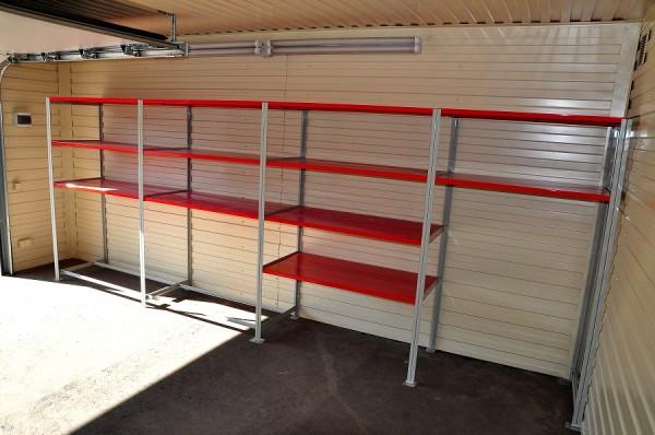 Если с одной стороны расположены выключатели и розетки, то нужно оставить 40-50 см свободного пространства для удобного доступа