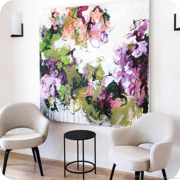 Большая картина + открытая мебель - это идеальная формула успеха