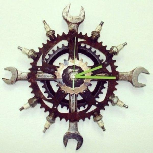 Часы, выполненные своими руками