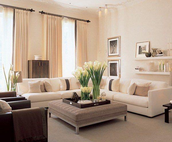 Кремовый цвет в интерьере гостиной