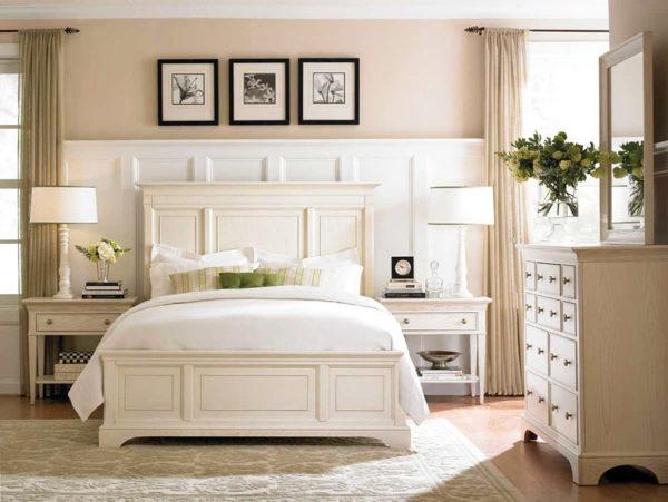 Спальня, оформленная в цвете слоновой кости