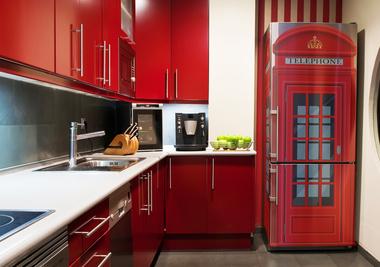 """Необычное оформление холодильника, благодаря которому вы посмотрели на интерьер кухни """"новыми"""" глазами"""