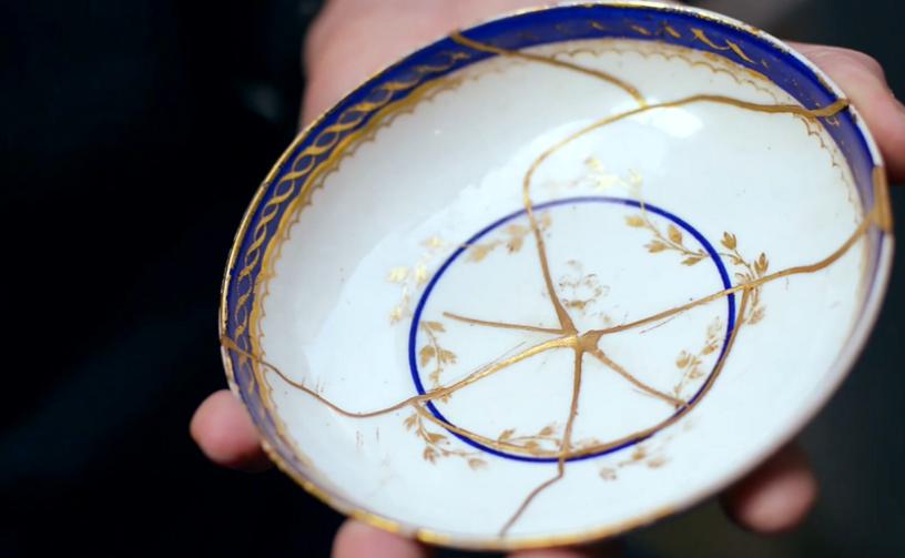 Посуда со сколами и трещинами - это неуважение к себе и своим гостям.