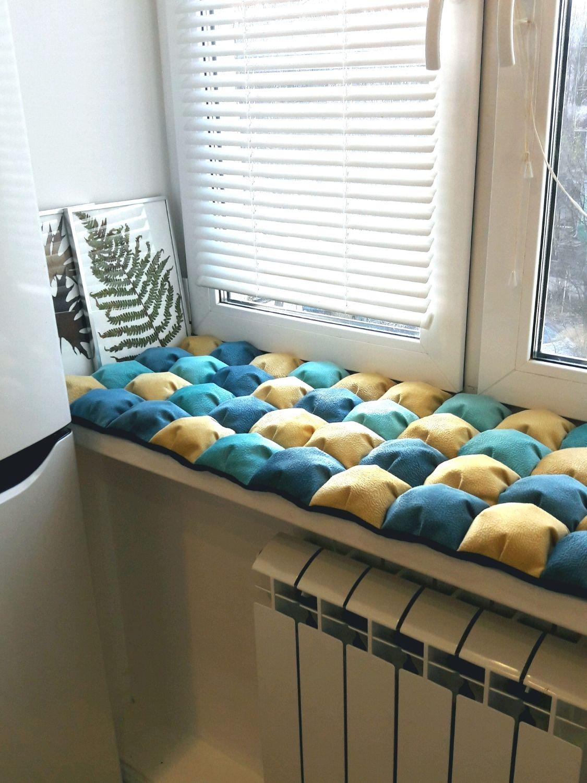 Лежак для кота своими руками на подоконнике