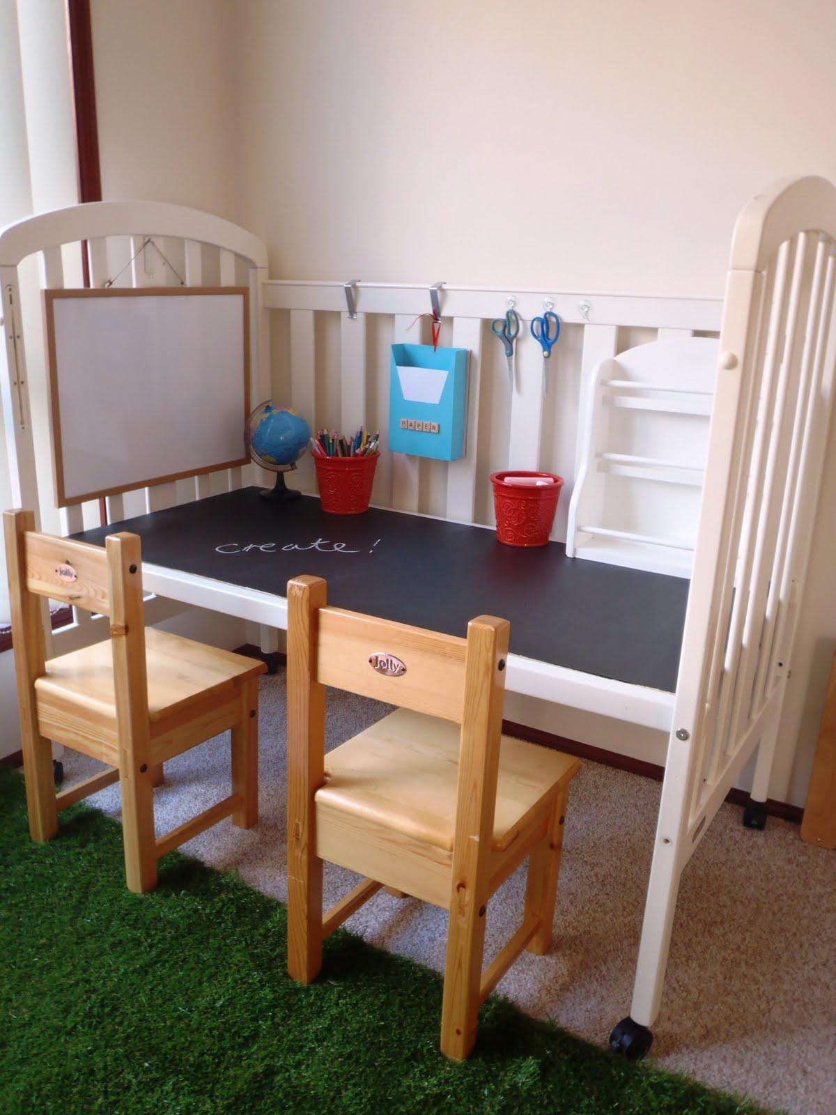 Переделанная детская кроватка