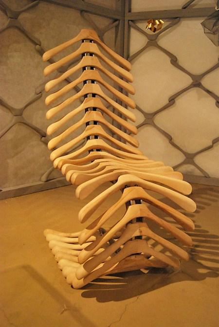 Кресло скелет - удивительная вещь, которая определенно точно станет изюминкой интерьера не только комнаты, но и квартиры в целом