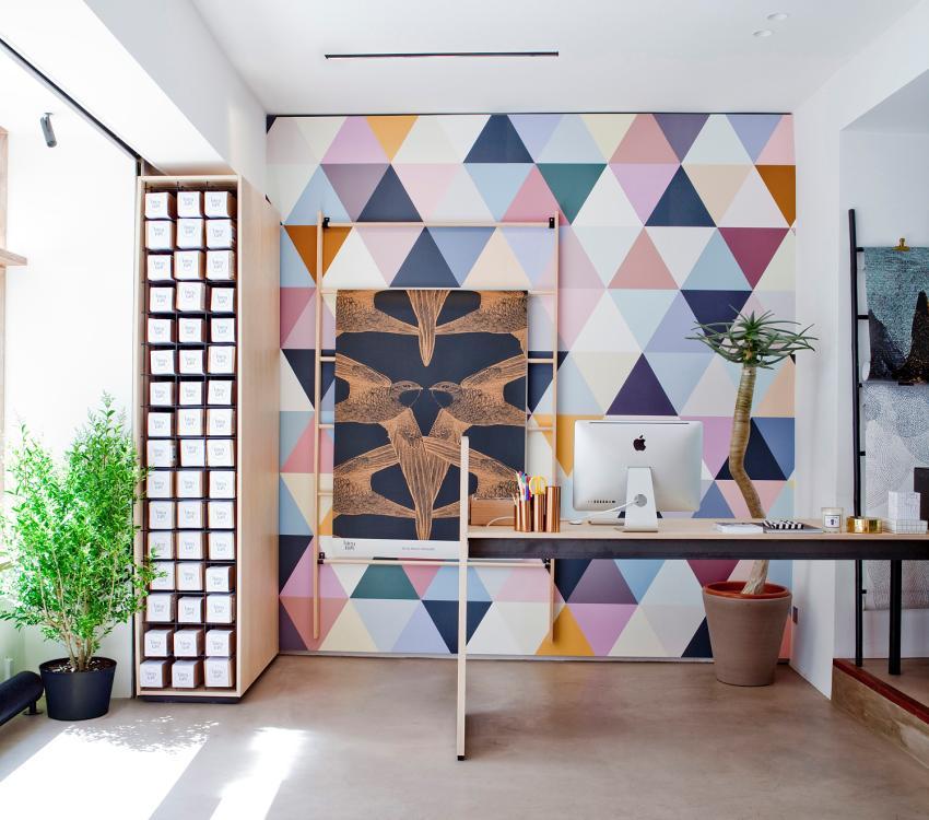 Декор стен в интерьере квартиры-студии