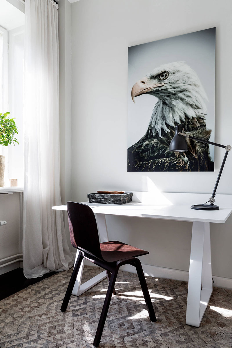 Рабочий кабинет в уютном скандинавском интерьере