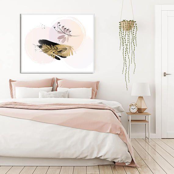 Уютные кровати с мягким и приятным изголовьем в трендовом нежно-розовом цвете