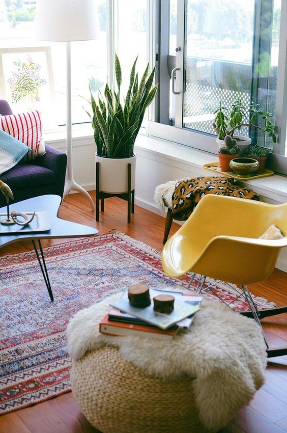 Ковер - прекрасное решение для зонирования гостиной