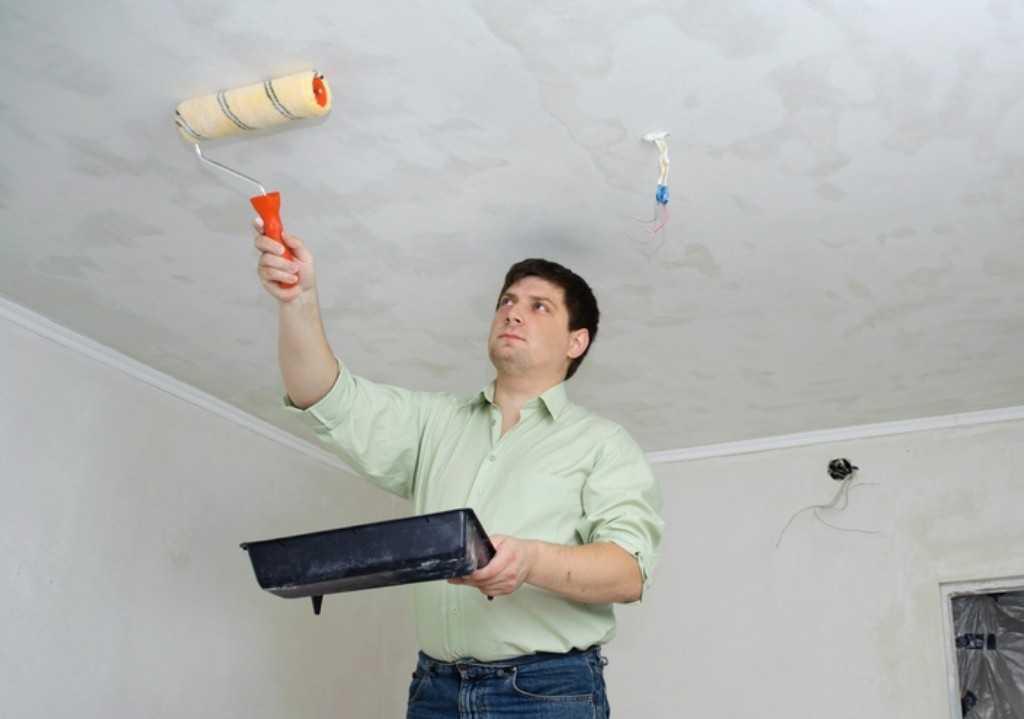 Побелка потолка водоэмульсионной интерьерной краской