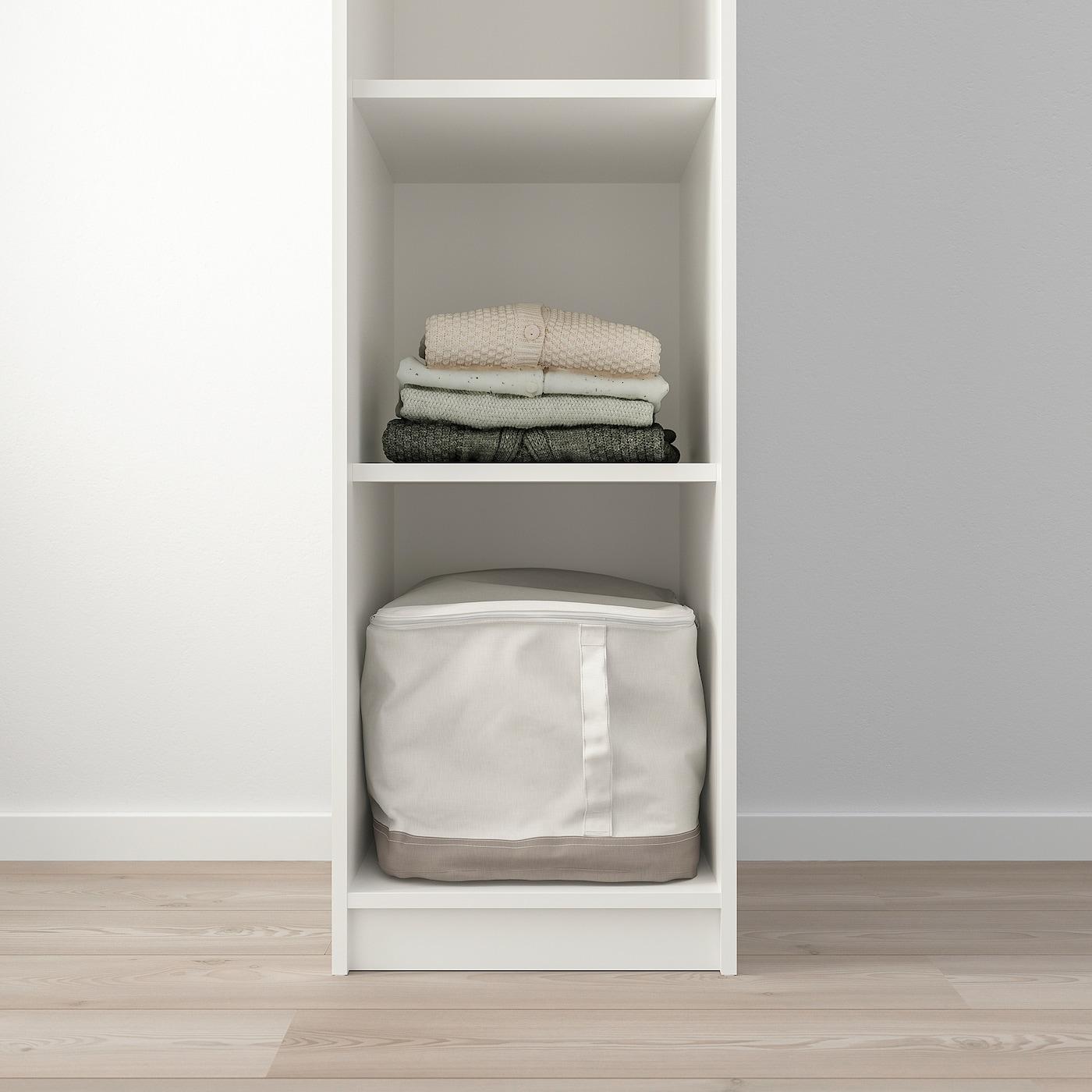 Открытый гардероб в интерьере квартиры