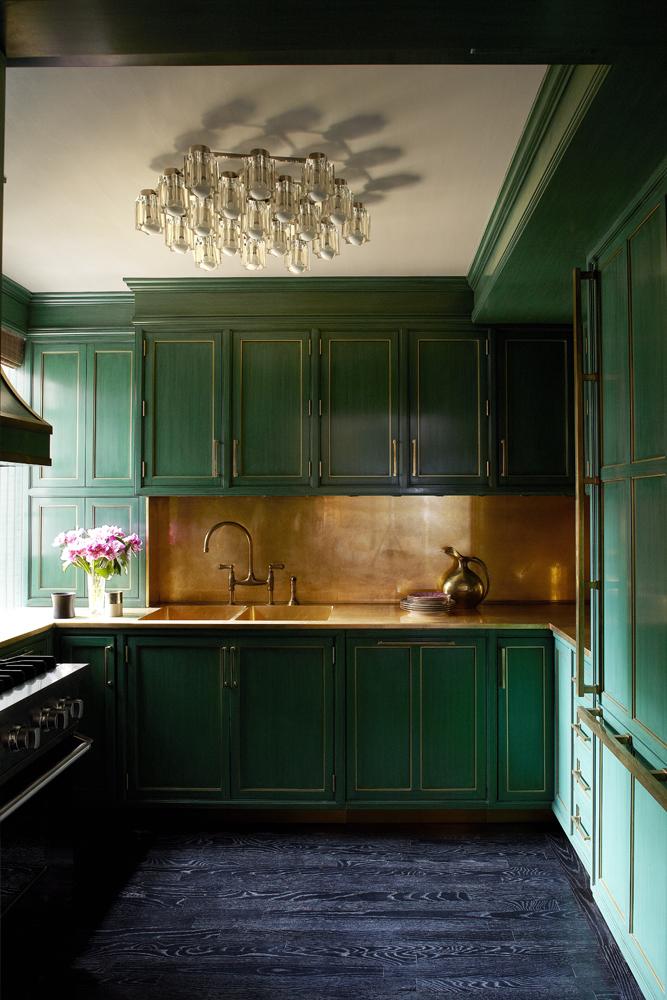 Изумрудный интерьер кухни