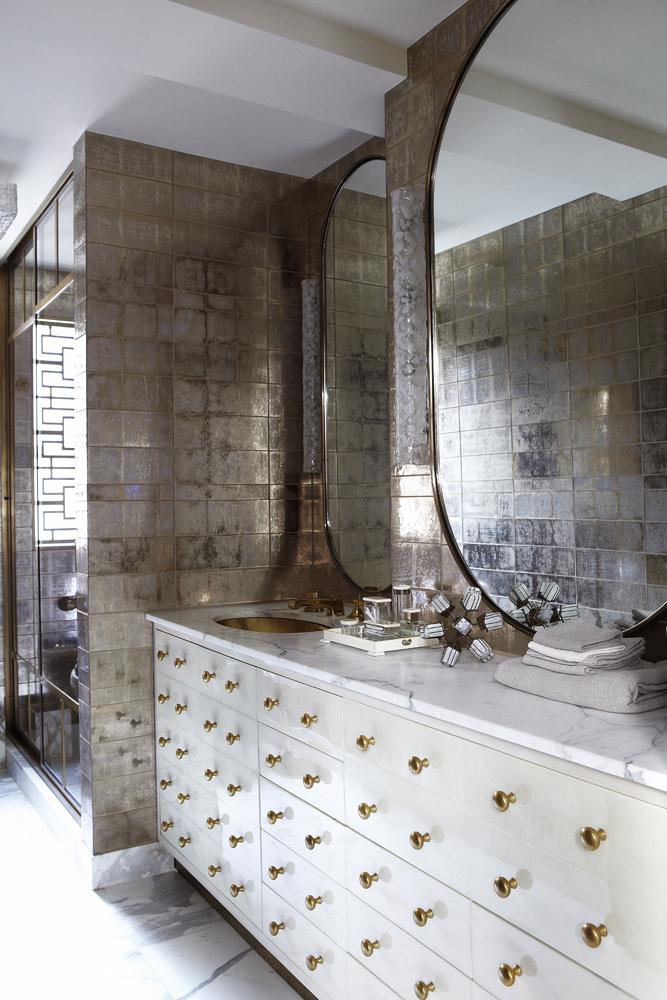 Интересный интерьер ванной