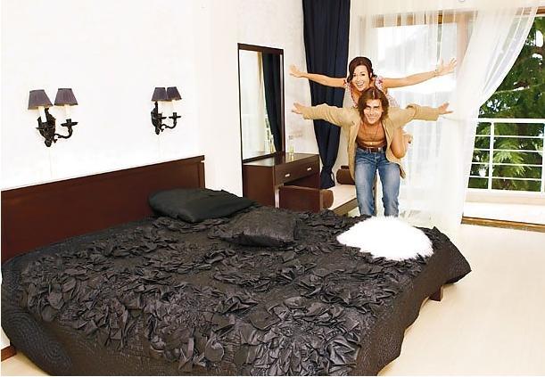 Анастасия и Петр в своей спальне