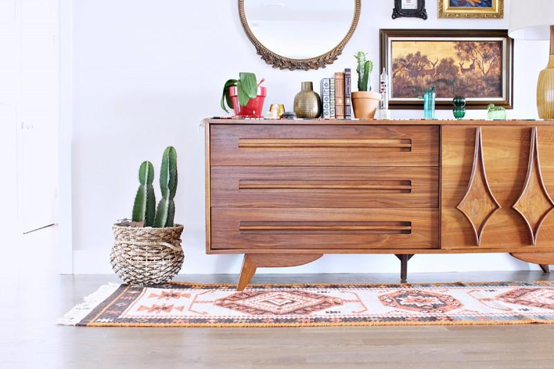 Комод - это важный предмет мебели в интерьере