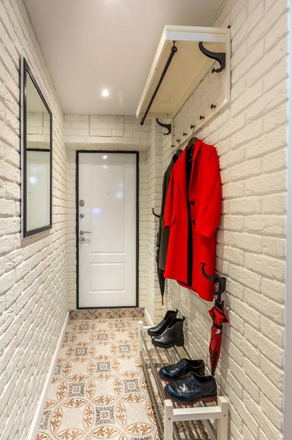 Монохромный интерьер коридора