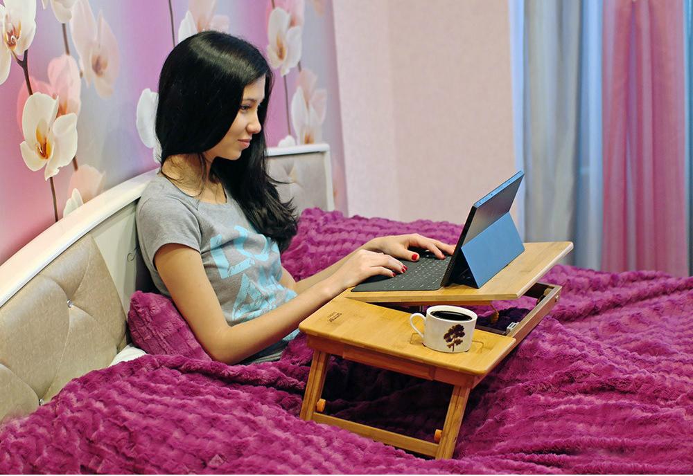 Складной столик для ноутбука - это невероятно практичная и удобная вещь