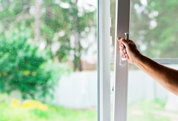 Не забывайте проветривать квартиру хотя бы 3 раза в день