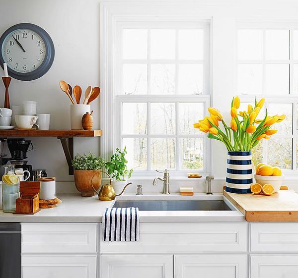 Интерьер идеальной кухни без лишней макулатуры в виде чеков, списков и квитанций