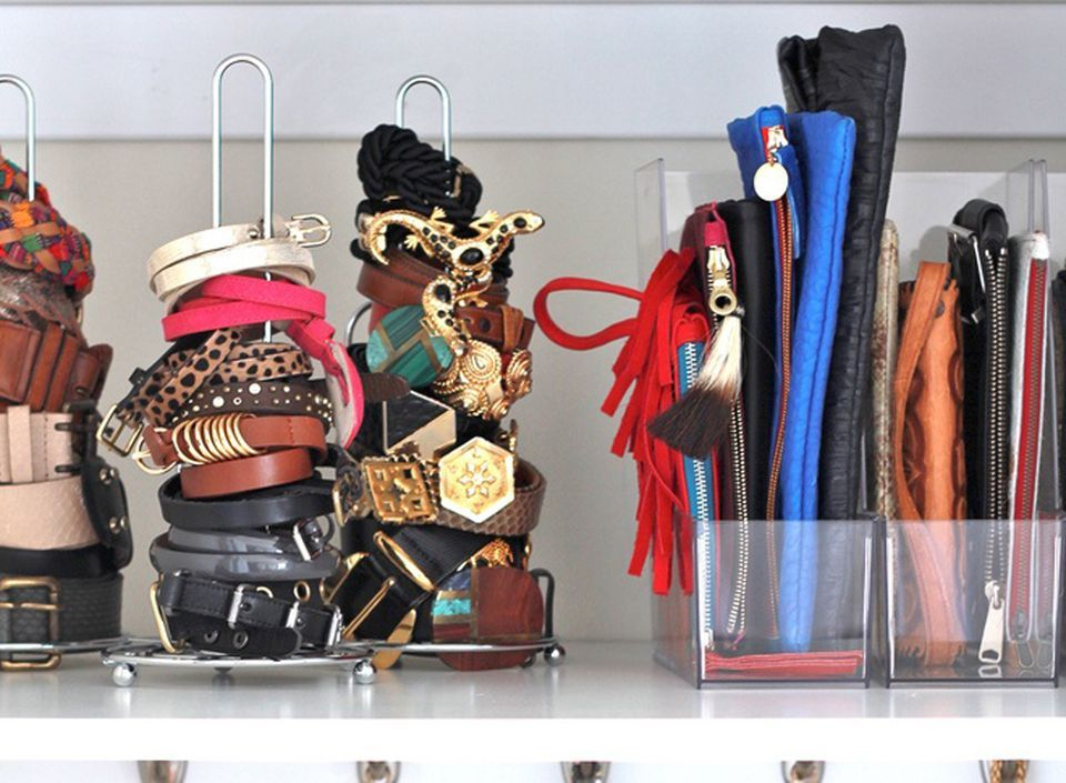 Канцелярские принадлежности - отличные предметы для хранения клатчей и аксессуаров
