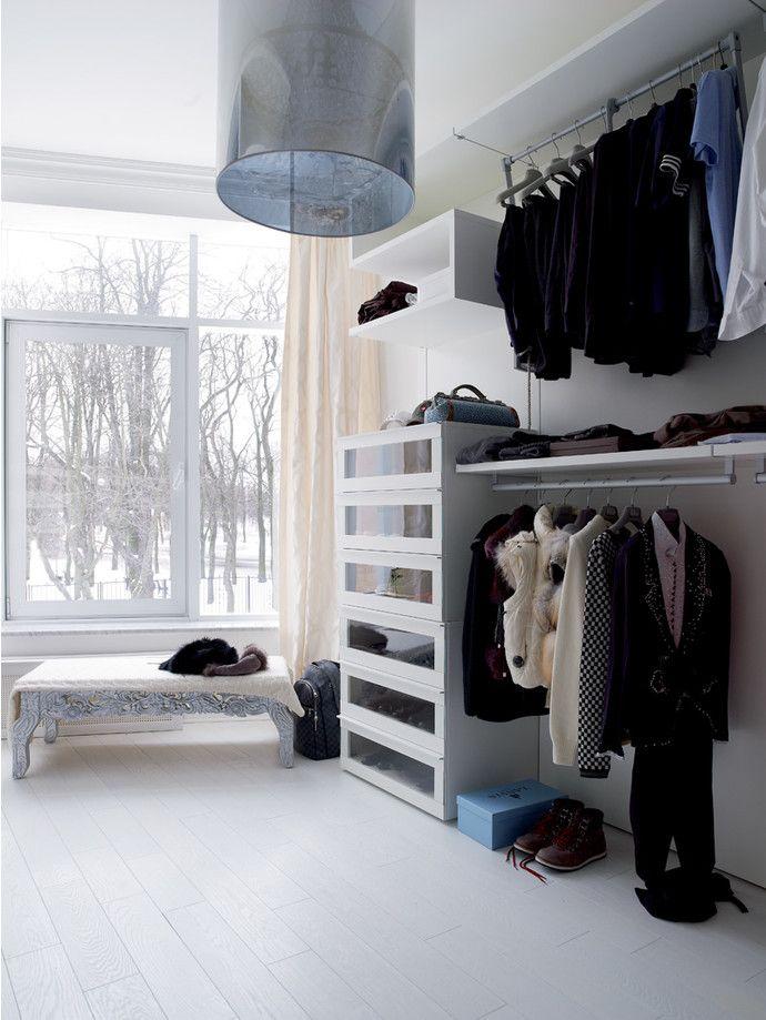 Гардеробная комната в петербургской квартире