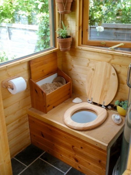 Фото оборудованного санузла в дачном домике