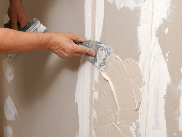 Готовить стену нужно очень качественно