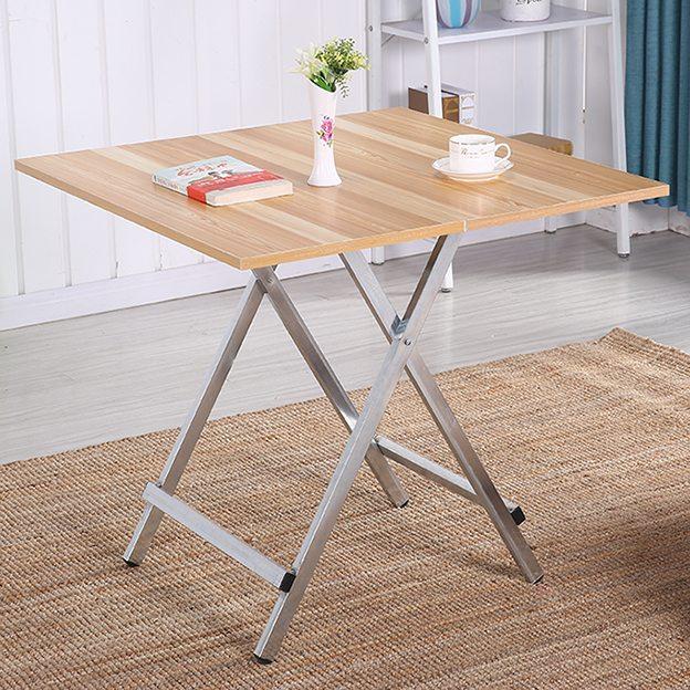 Готовый раскладывающийся столик может использоваться не только в походе или на пикнике, но и в доме
