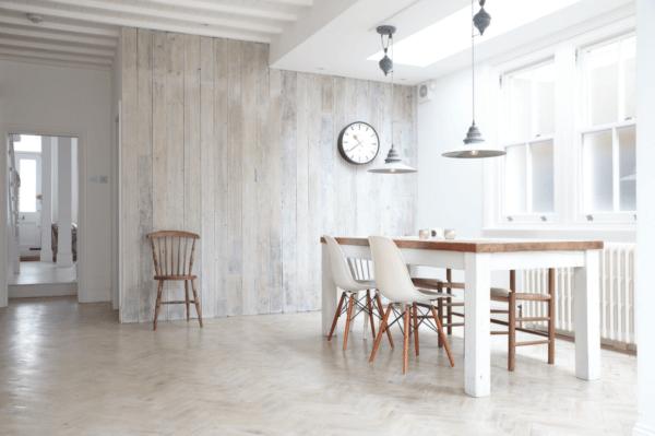 Интерьер большой кухни в скандинавском стиле должен быть в светлых тонах