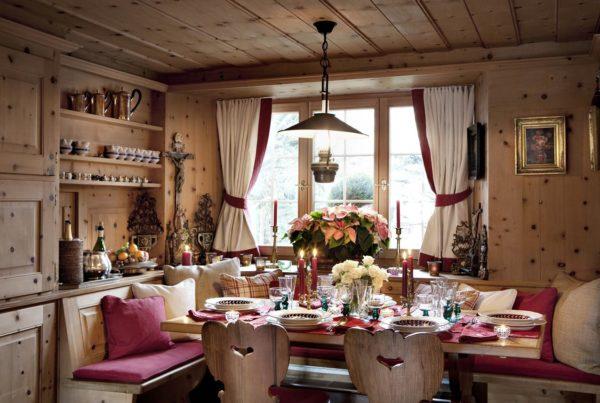 Интерьер в деревенском стиле придется по душе тем, кто тяготеет к природным материалам и спокойным оттенкам