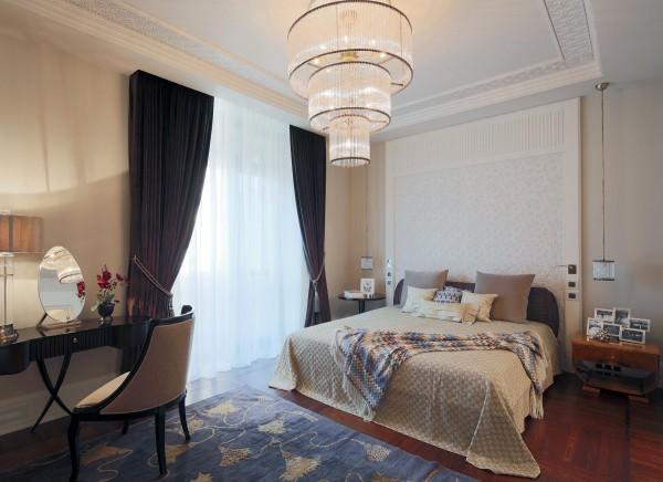 Интерьере спальни
